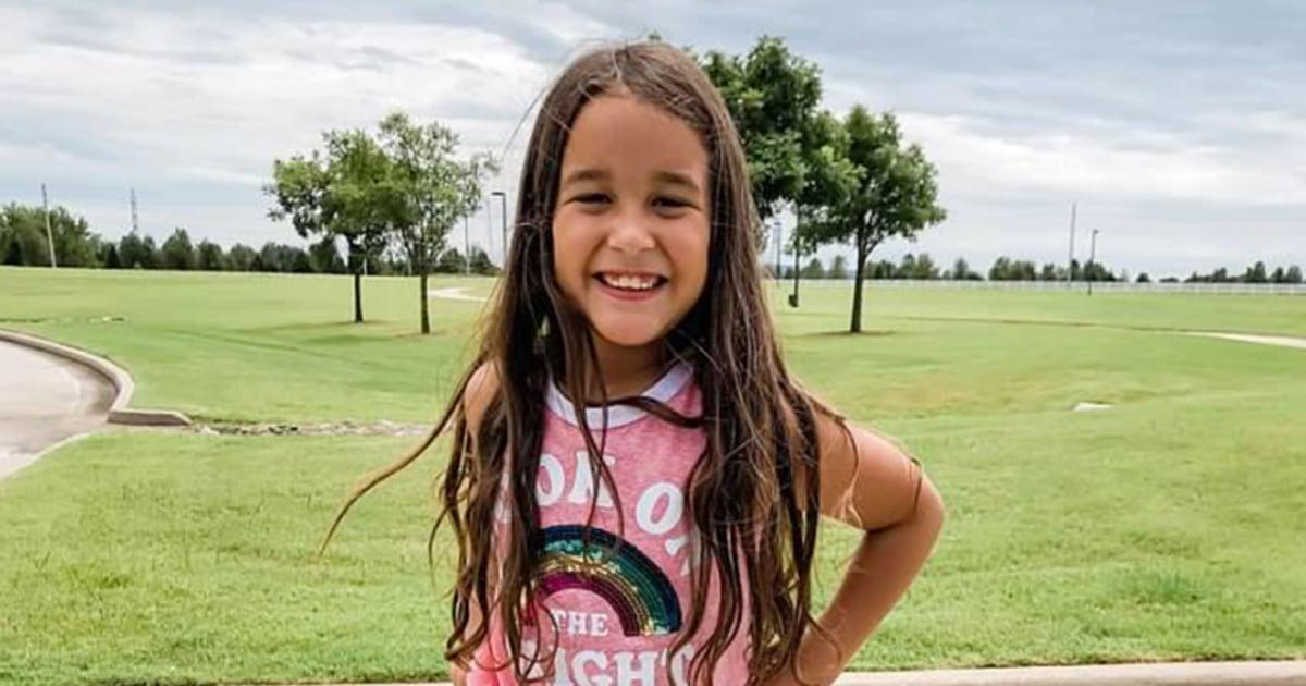 Second grade girl expelled from Christian school over girl crush, mom says