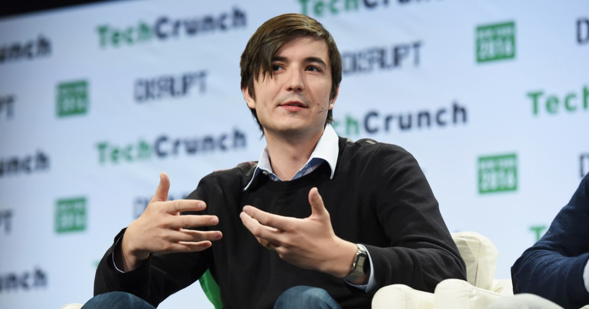 Under fire, Robinhood CEO apologizes to Congress for restricting trading