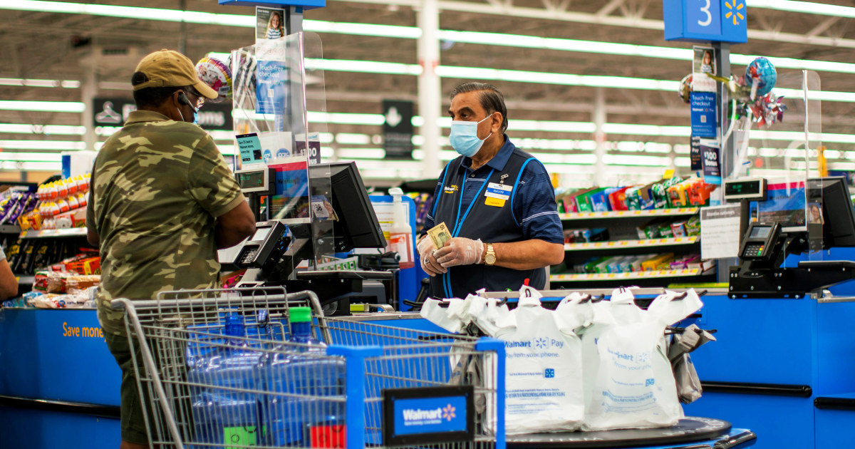 Walmart to hike wages for 425,000 workers to average above $15 an hour