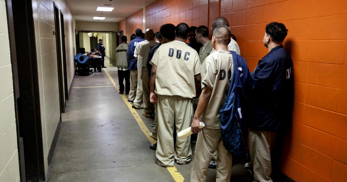 Illinois becomes first state to end cash bail