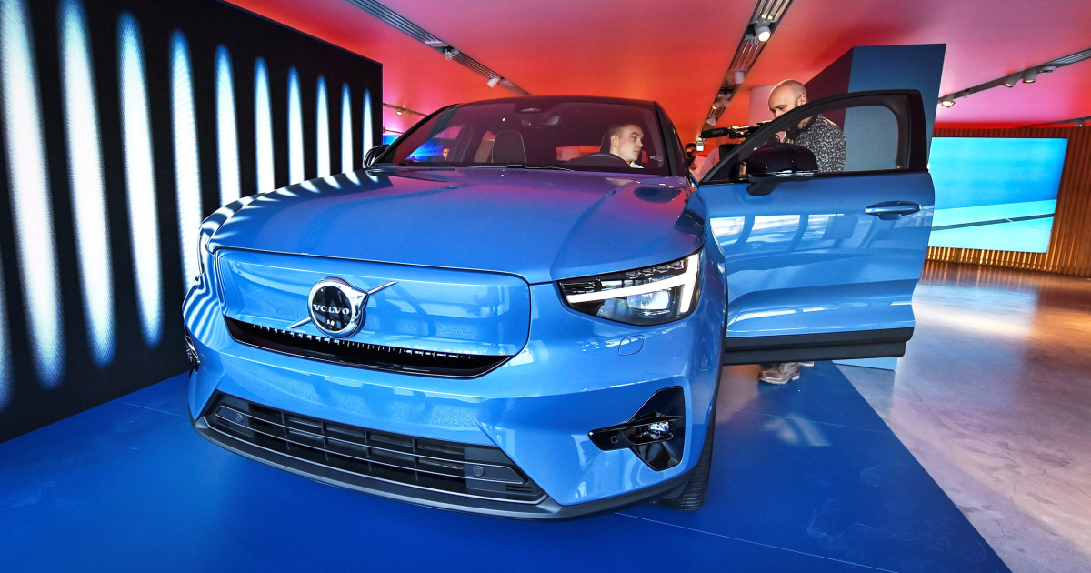 Volvo to sell all its cars online, in latest example of how the pandemic has reshaped the auto industry