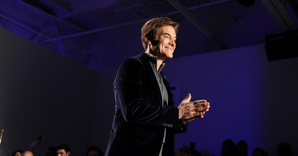 Dr. Oz helps save man who collapsed at Newark airport thumbnail