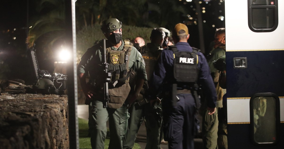 Armed man barricaded inside Hawaii luxury resort leads to standoff with police – NBC News