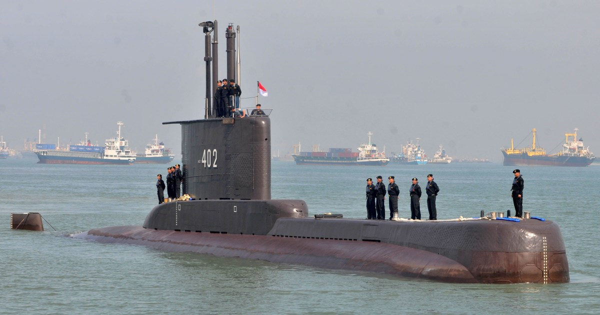 Time running out as Indonesia continues search for missing submarine