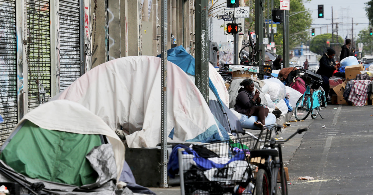 Federal judge orders Los Angeles to shelter people living on skid row