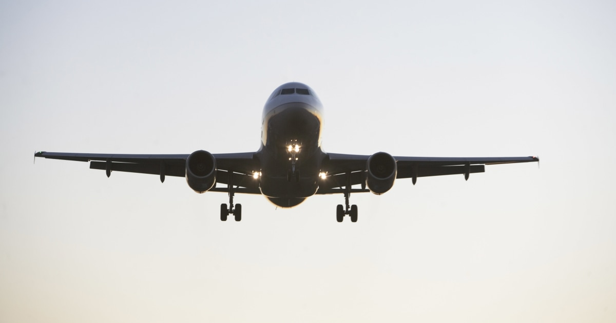 FAA warns of spike in unruly passengers thumbnail