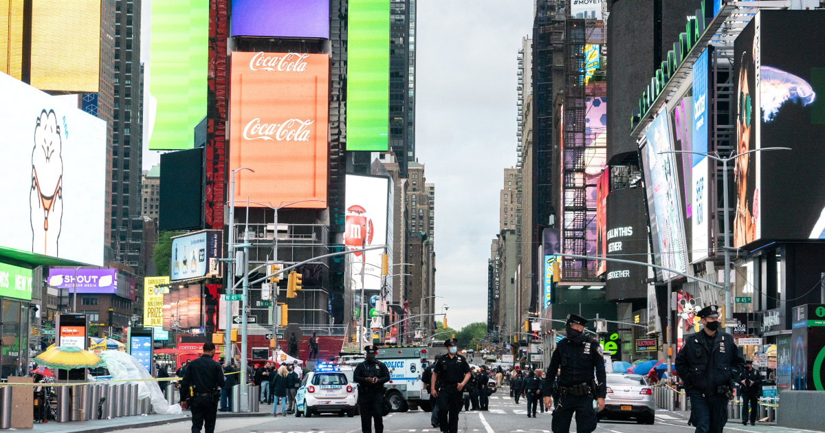 Young girl, two women shot in New York's Times Square