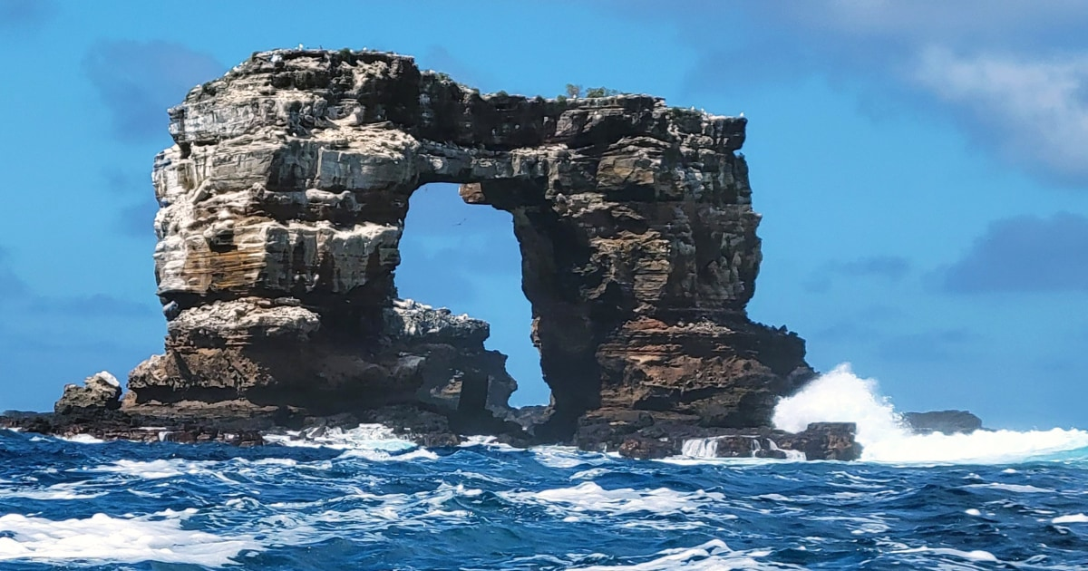Famed Darwin's Arch in Galapagos takes new shape – NBC News
