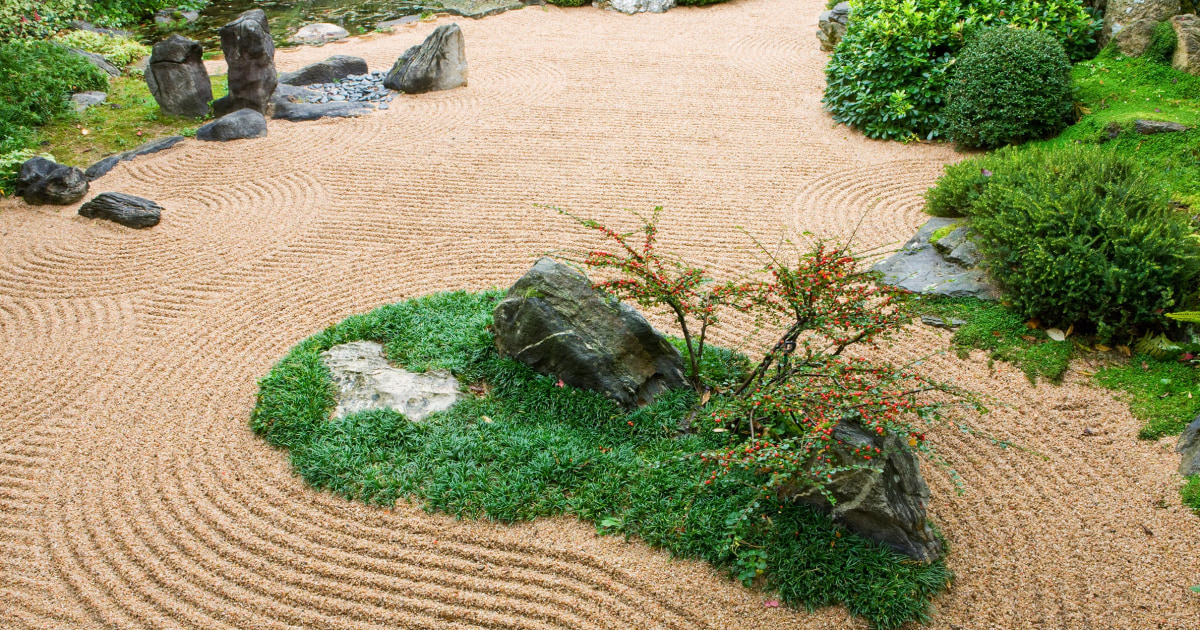 How to create a Japanese zen garden, according to experts