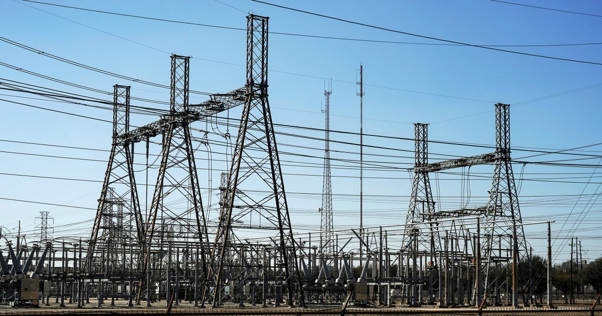 Texas Power Plants Experience Outages Amid Soaring Temperatures