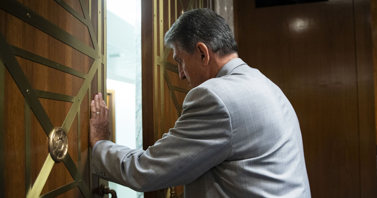 Current Status: Manchin proposes compromise on voting bills ahead of crucial Senate vote
