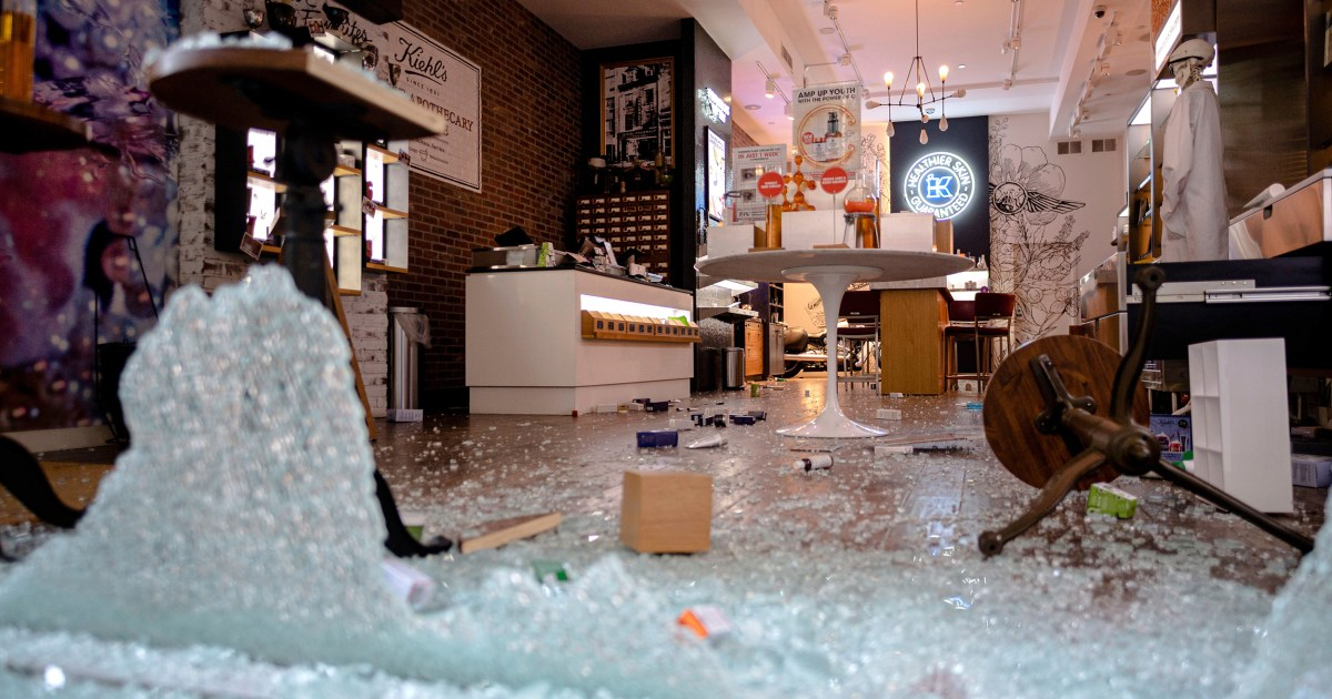 Charges dropped for hundreds of alleged looters in New York City