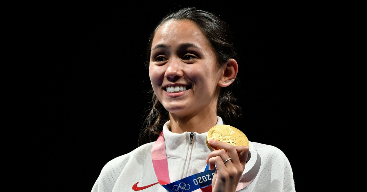 Lee Kiefer wins Olympic fencing gold while in med school