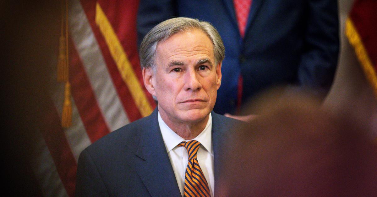 U.S. sues Texas over Abbott order restricting transportation of undocumented immigrants