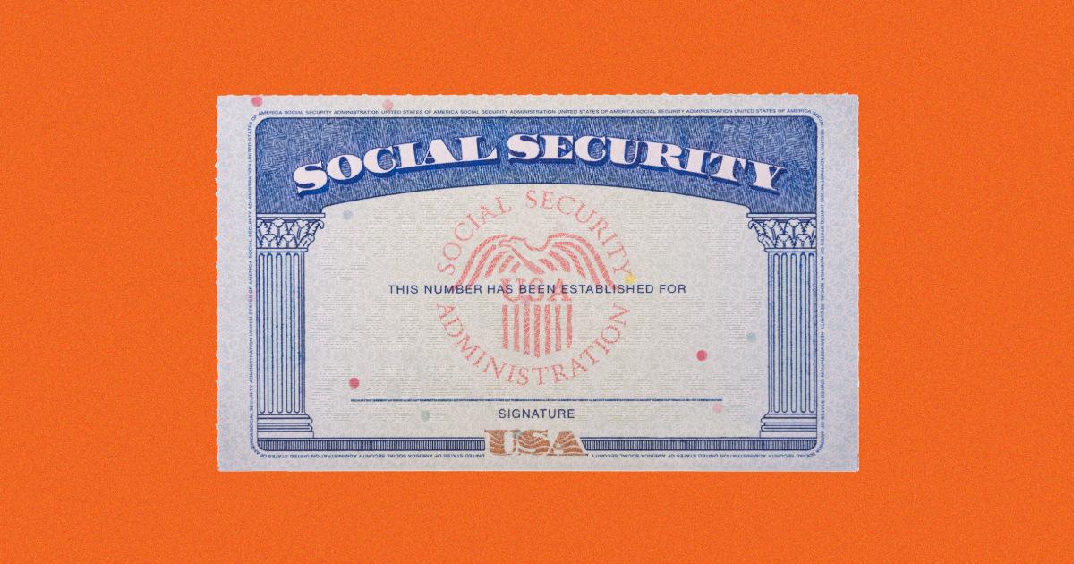 211013 social security card 2x1 jm 1016.