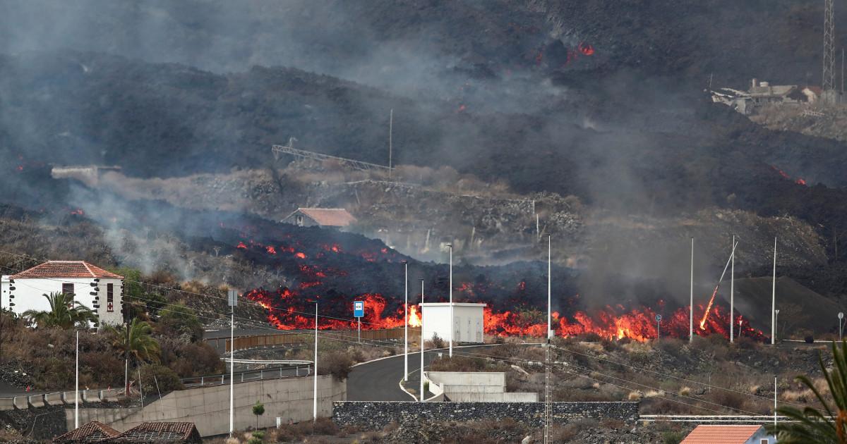 More flee as Canary Island eruption continues, creates 'lava tsunami'