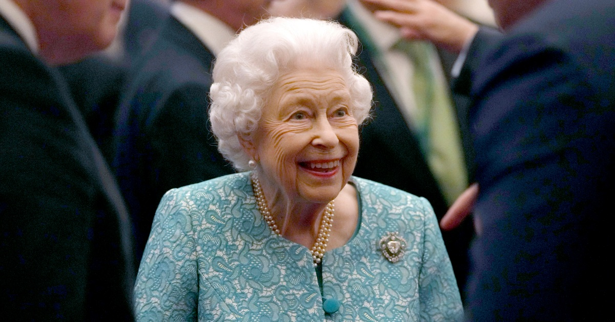 Queen Elizabeth cancels trip after doctors tell her to rest