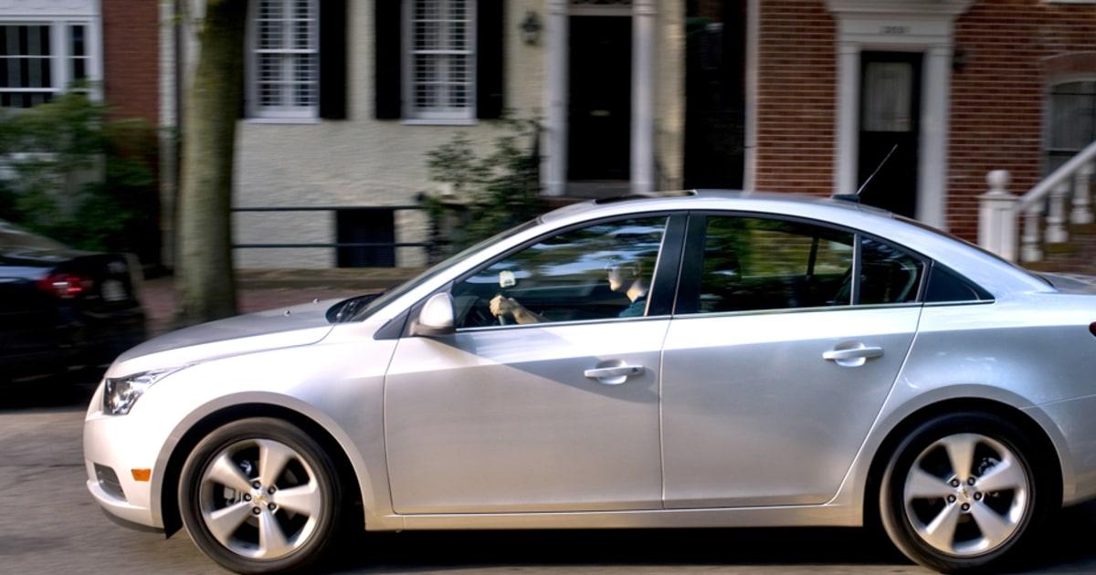 GM recalls over 400,000 Chevy Cruze sedans