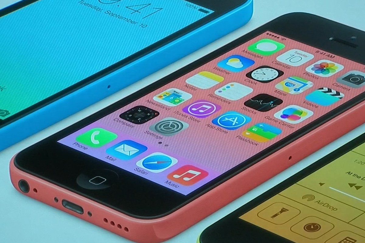 Apple launches iPhone 5C and iPhone 5S
