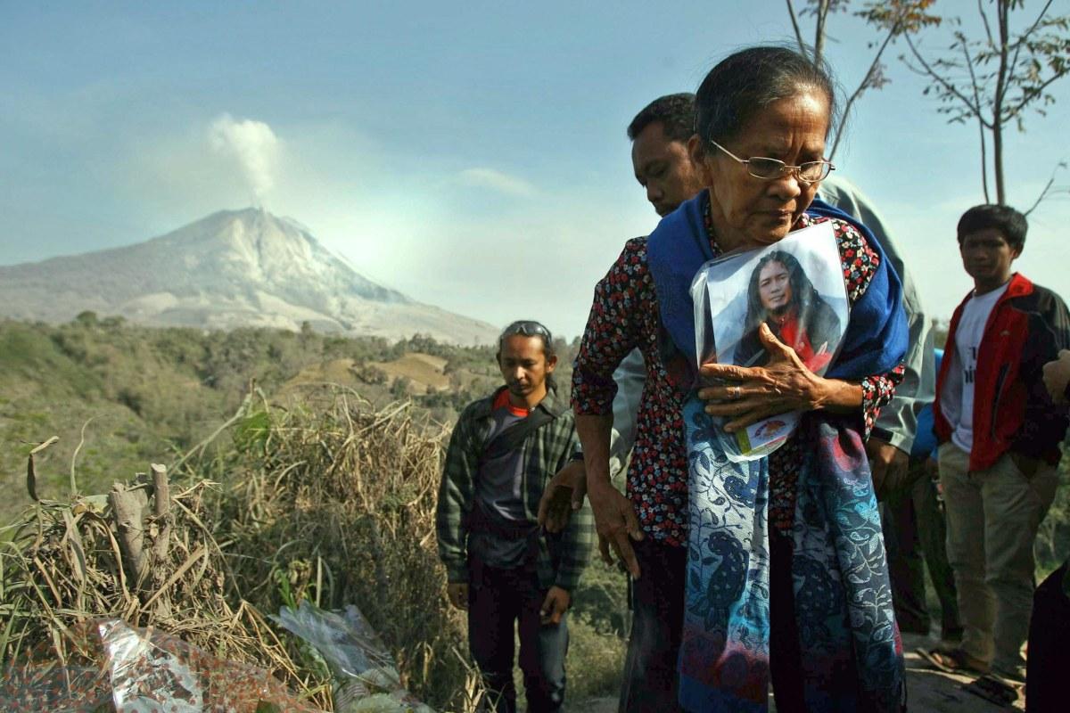 Image: Sinabung volcano eruption