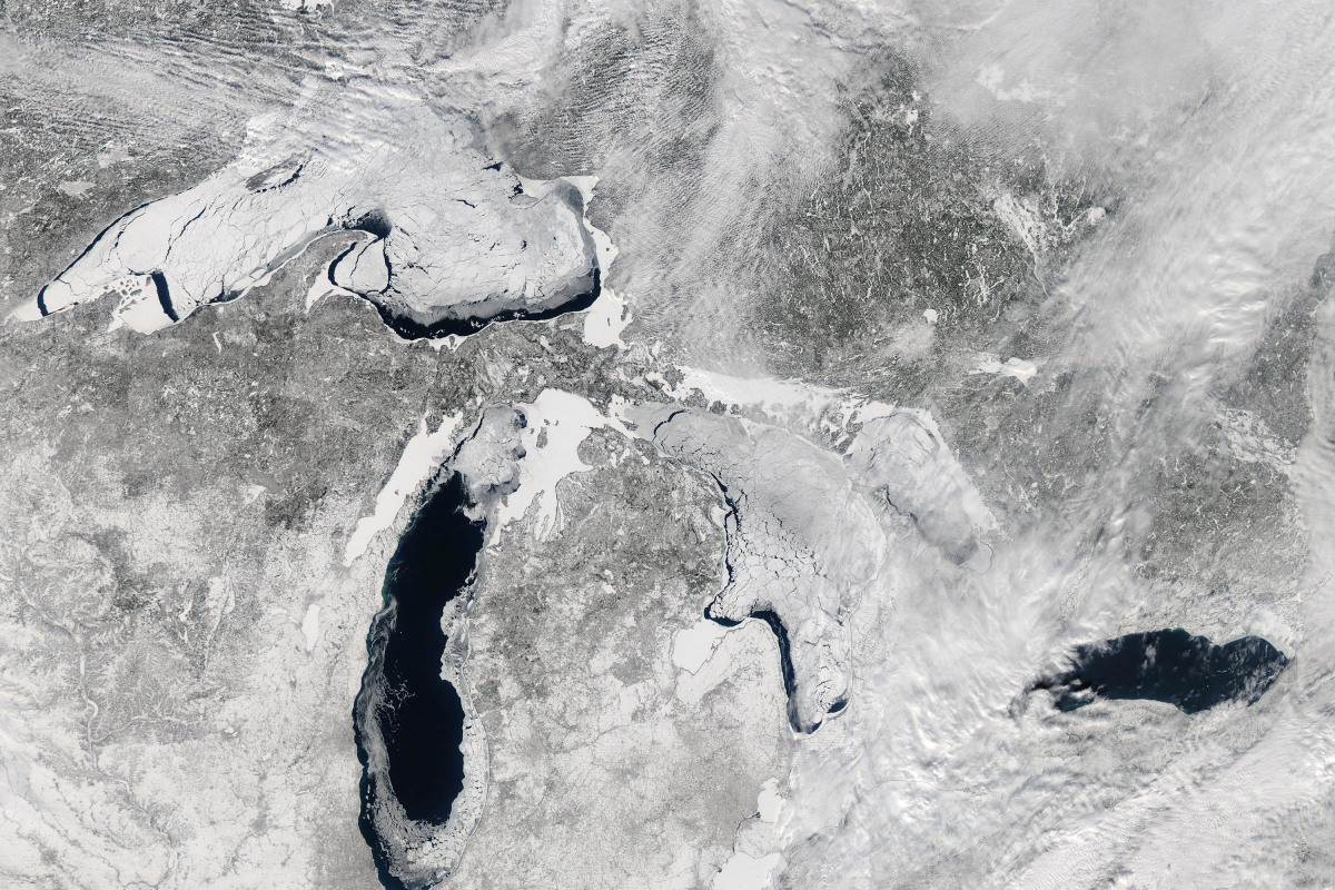 Image: Great Lakes Covered in Ice