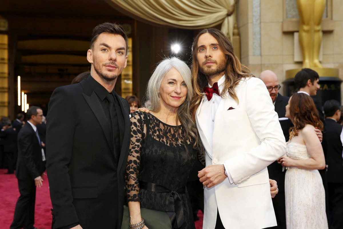 Image: Jared Leto, and his mother Constance Leto and brother Shannon Leto arrive on the red carpet at the 86th Academy Awards in Hollywood