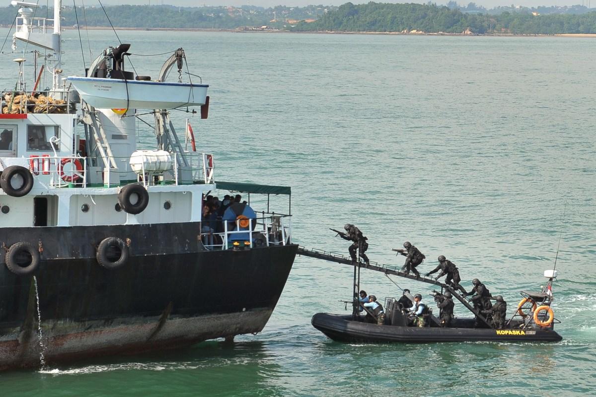 strait of malacca is world u0026 39 s new piracy hotspot