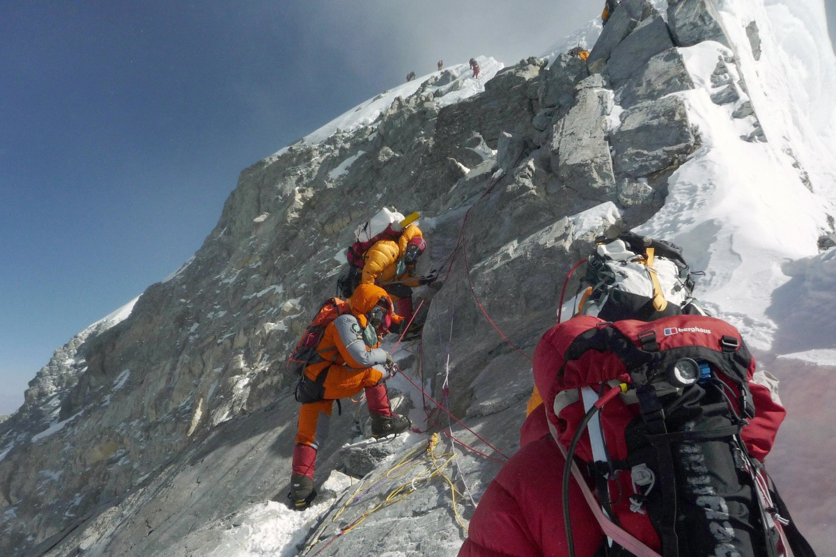 what is a sherpas on everest