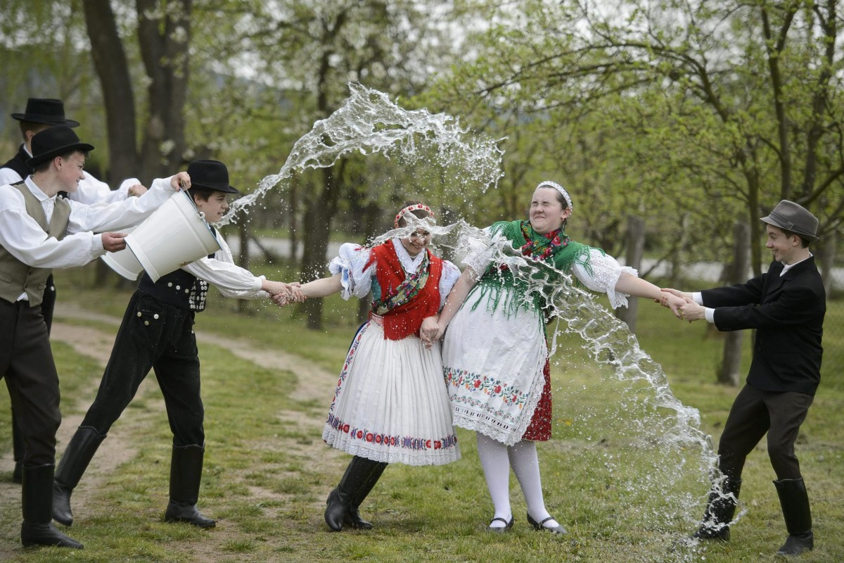 Image: Easter folk tradition in Hungary