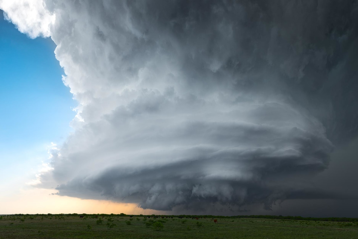 Image: A rotating supercell thunderstorm spins across the landscape near Jolly, Texas on May 7