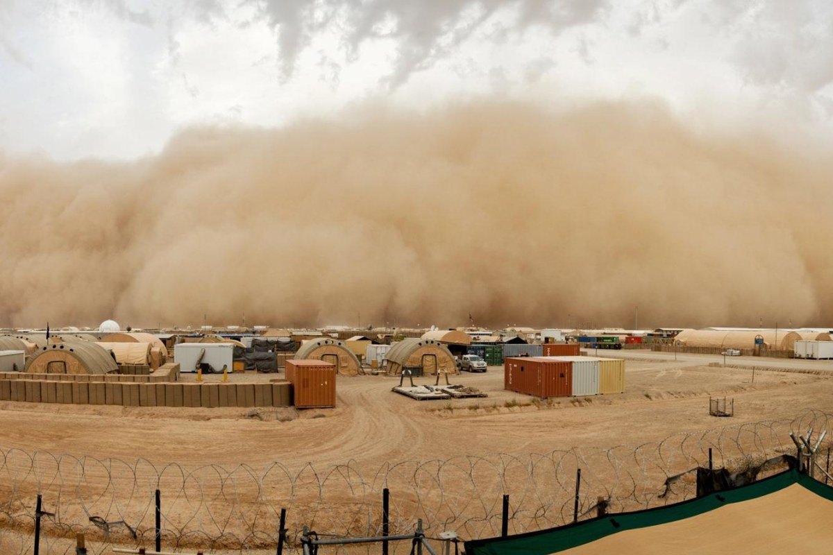 giant sandstorm looms over base in afghanistan nbc news