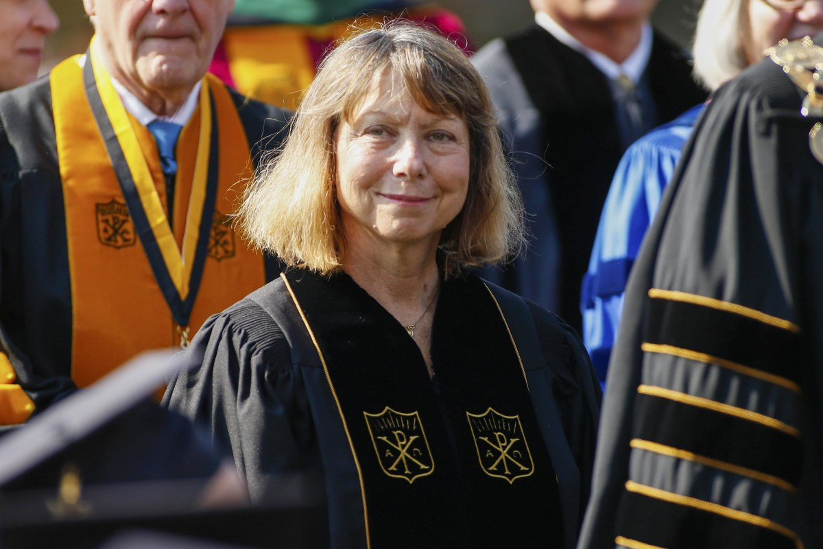 Fired Editor Jill Abramson Tells Graduates: 'Show What You Are Made Of'