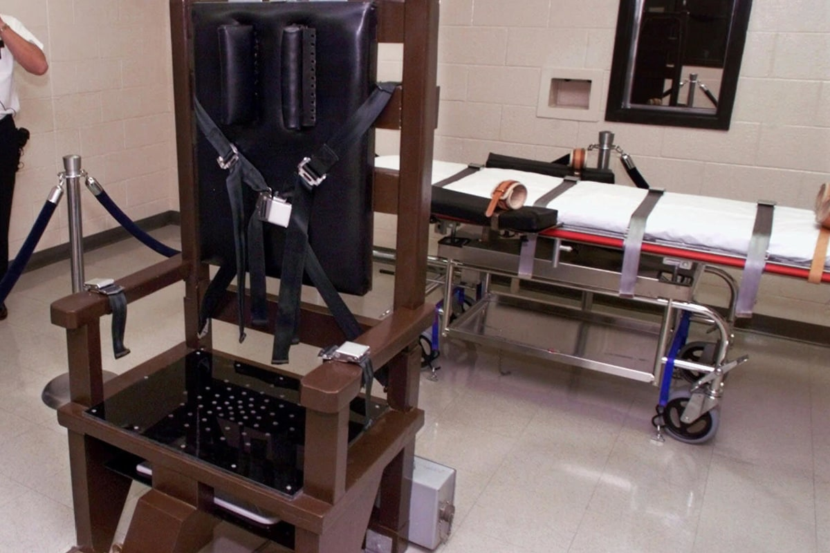 The electric chair execution - The Electric Chair Execution 22