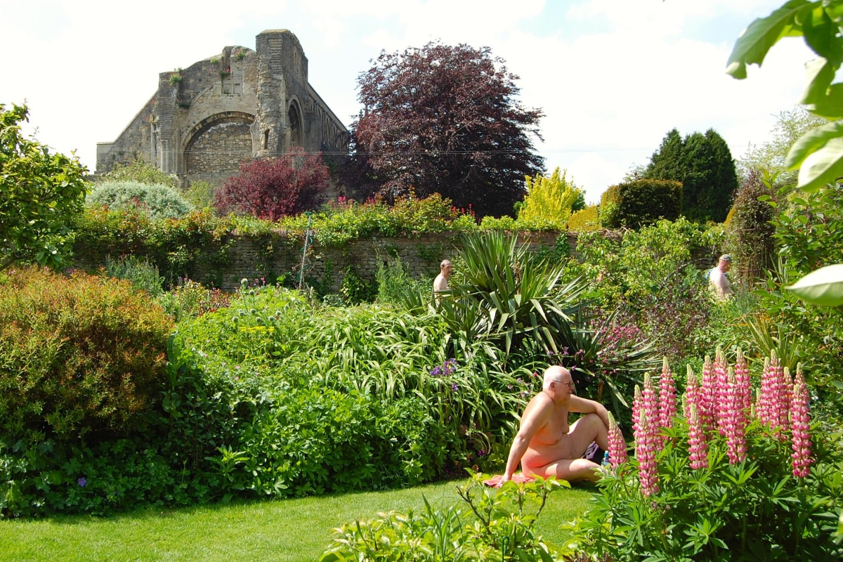 Naked Gardening In U K 39 S Countryside It 39 S A Thing Nbc News