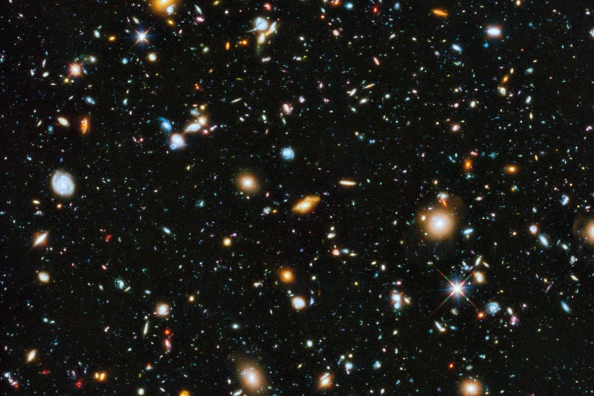 File:Hubble ultra deep field high rez edit1.jpg - Wikipedia