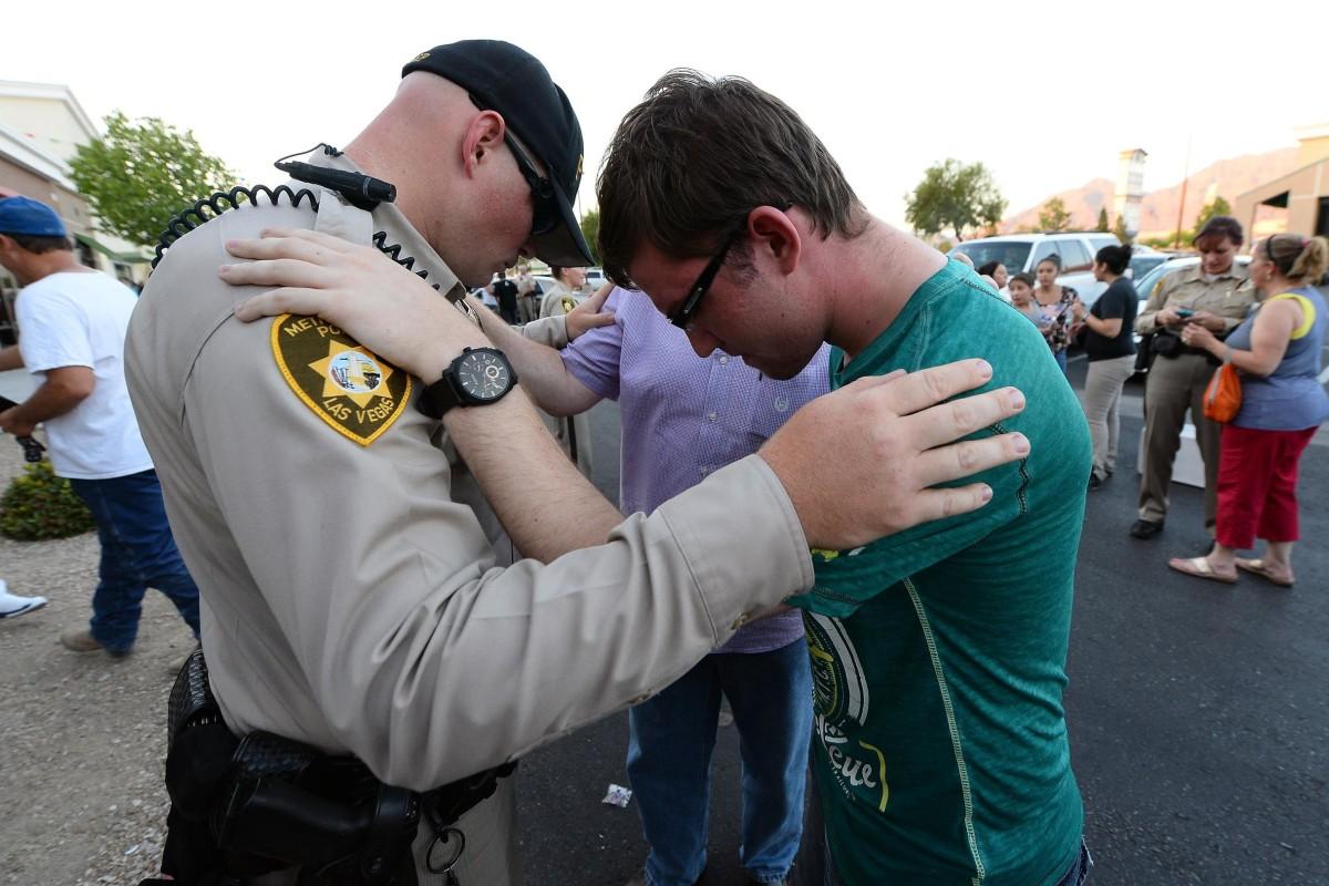 Image: BESTPIX - Five Dead, Including 2 Police Officers In Las Vegas Shooting