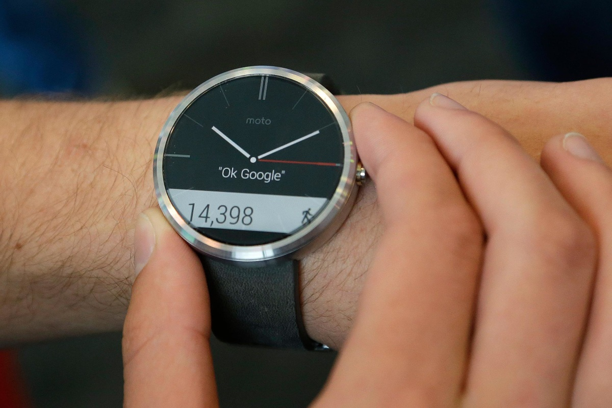 Moto 360 Smartwatch Sells Out Online in Less Than an Hour ...