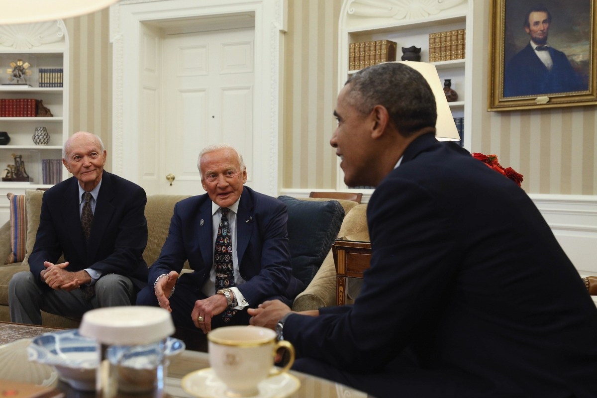 Image: Obama and Apollo 11 astronauts
