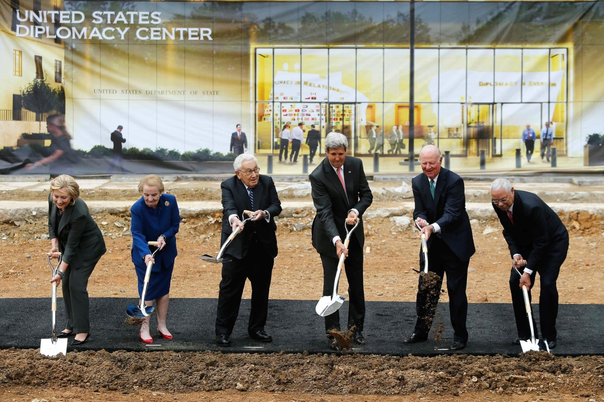 Image: Kerry is joined by former Kissinger, Baker, Albright, Powell and Clinton for a cermonial groundbreaking for the U.S. Diplomacy Center museum at the State Department in Washington