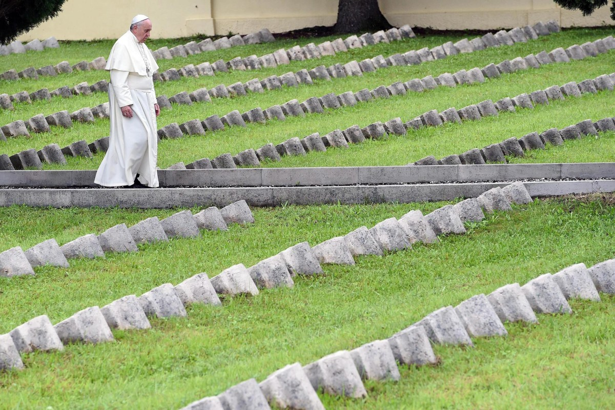 Image: Pope Francis solemn mass at the war memorial at Redipuglia