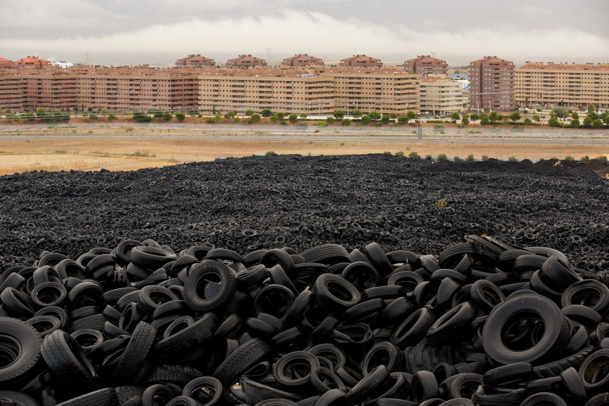 Image: Tire Dump In Spanish Countryside