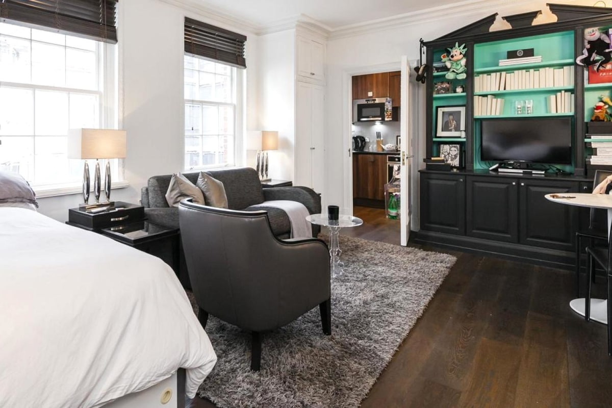 A studio apartment the size of a parking space has gone on sale in London  forYours for  1 5 Million  A Garage Sized Apartment   NBC News. Average Studio Apartment. Home Design Ideas