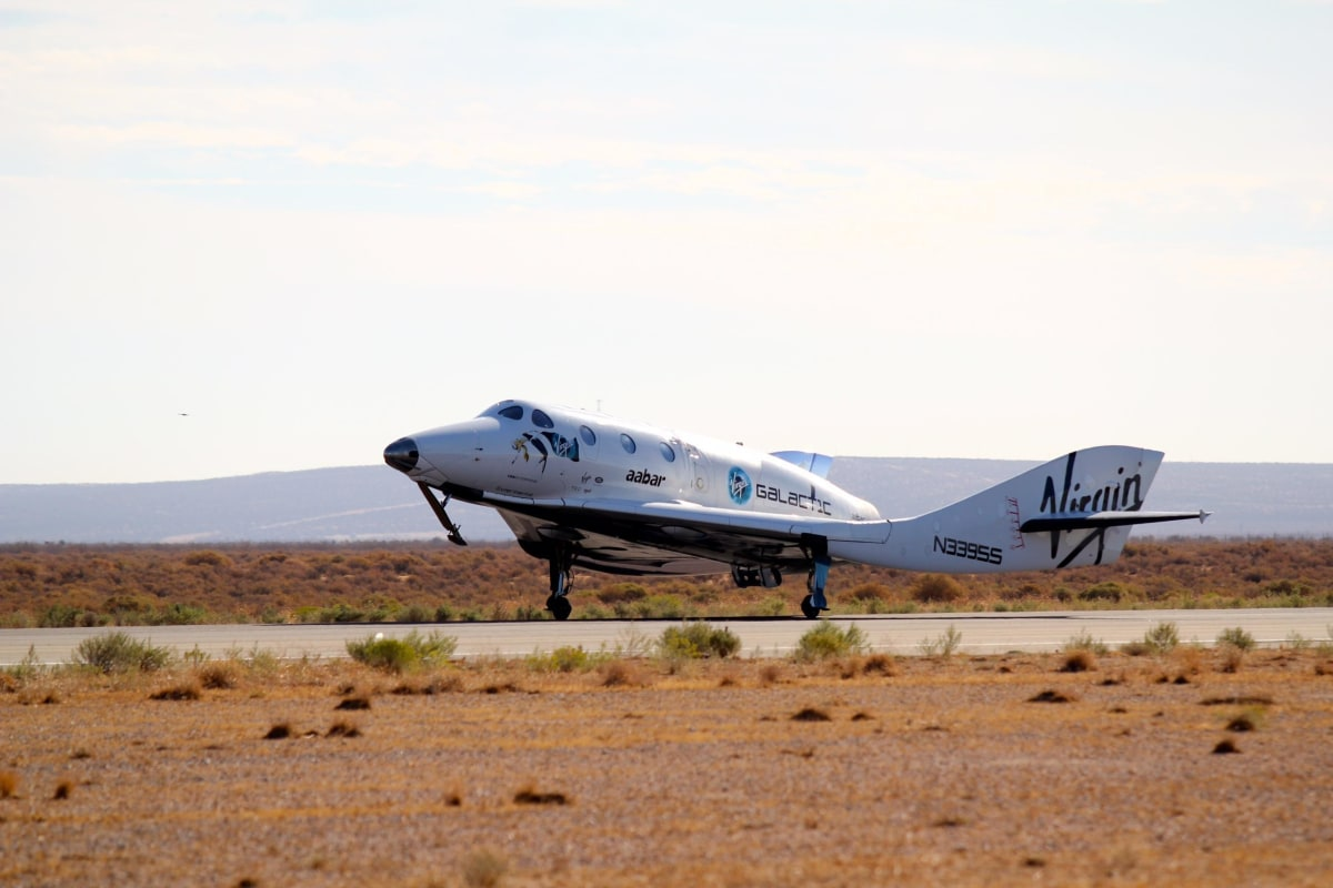 Virgin Galactic's SpaceShipTwo Glides Through Test Run ...