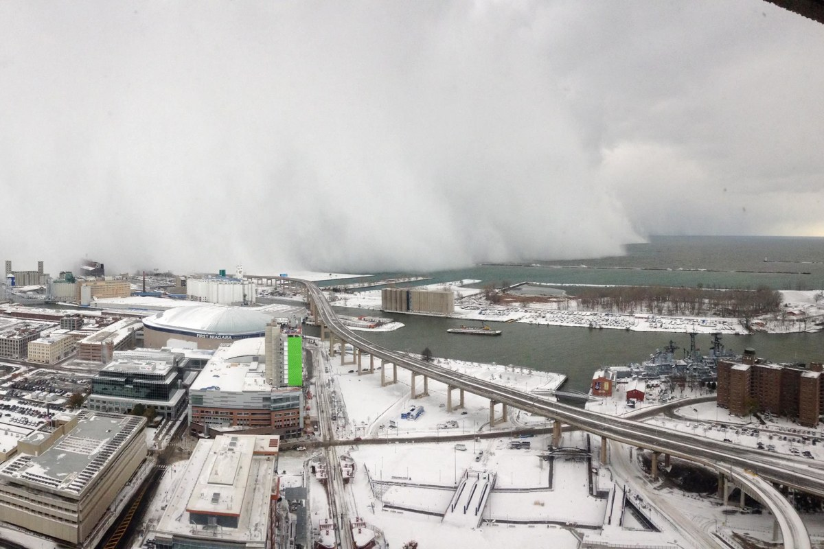 here comes the snow  wall of weather blankets buffalo