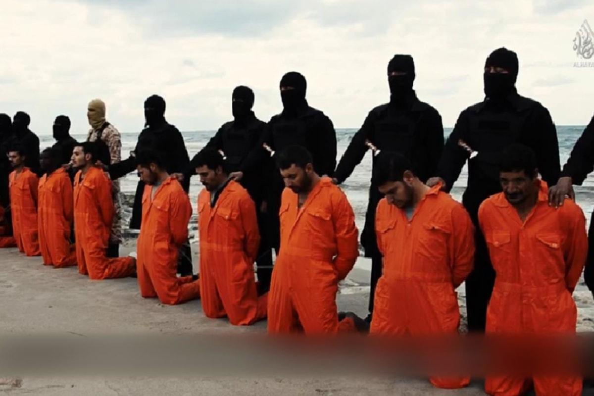 Czy prawdziwy naśladowca Chrystusa może zabić bliźniego? - Page 3 150215-isis-still-blurred_9b8a9cc8975da8cc97fa8399d2ab6637.nbcnews-fp-1200-800