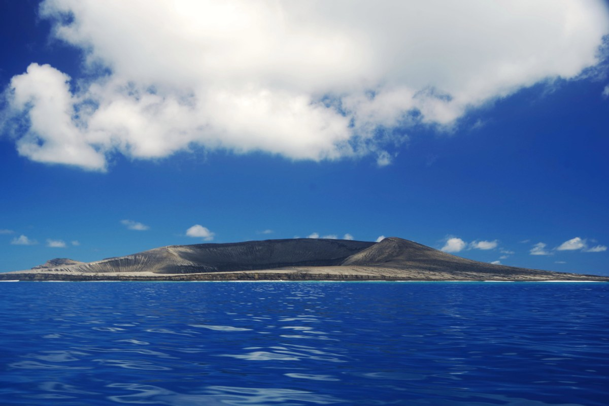 First Photographs Emerge of New Pacific Island off Tonga ...