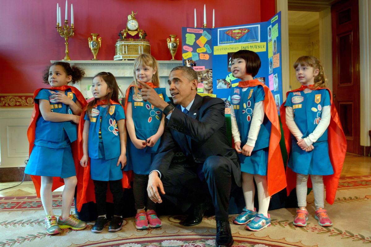 Image: Obama with Supergirls