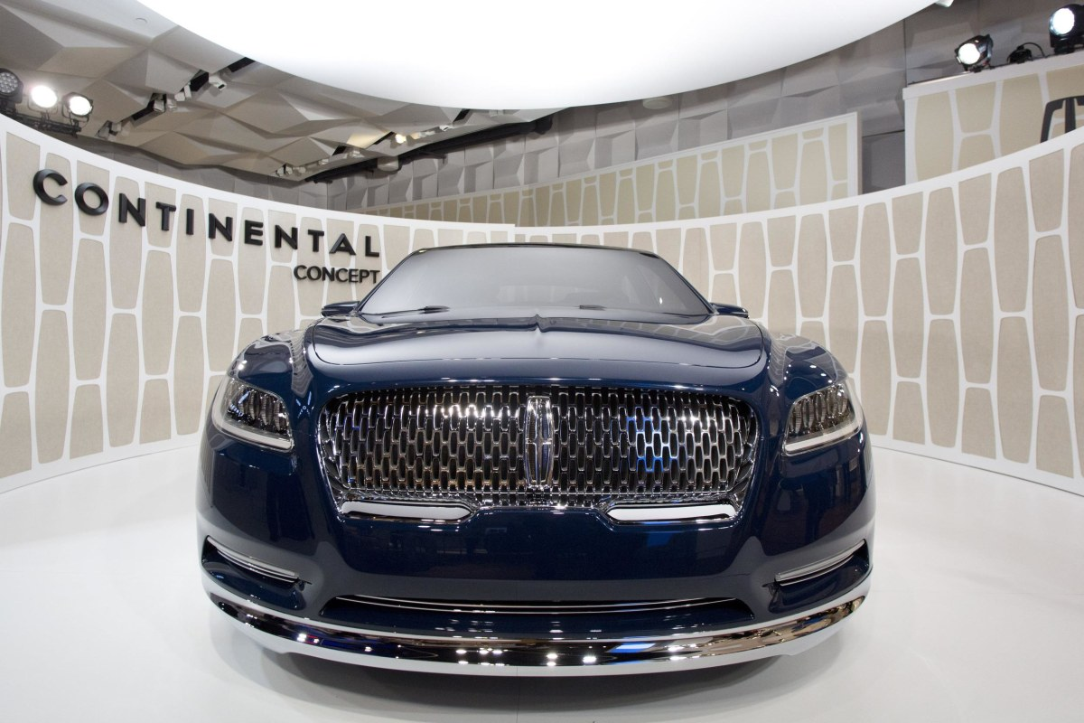ford revives the lincoln continental aiming for u s china nbc news. Black Bedroom Furniture Sets. Home Design Ideas