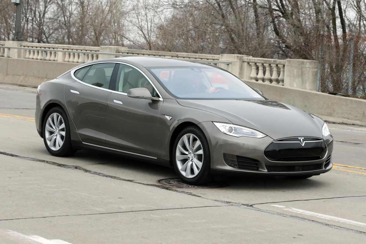 Image: Tesla Model S 70D