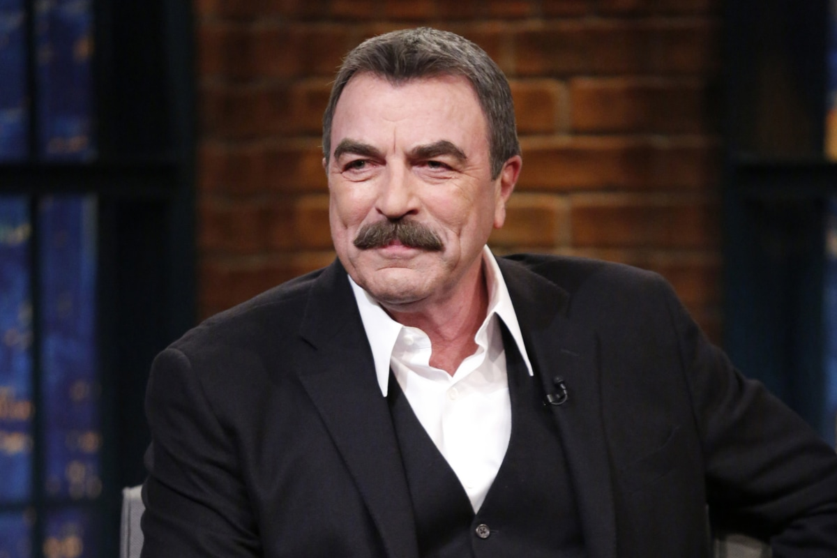 tom selleck 2018 cheveux barbe yeux poids mesures tatouage style muzul. Black Bedroom Furniture Sets. Home Design Ideas